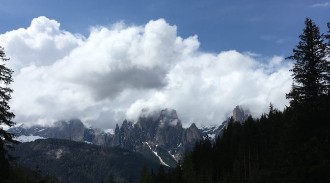 SPRING BANK HOLIDAY, WALKING IN THE DOLOMITES: FRIDAY 24th to TUESDAY 28th MAY